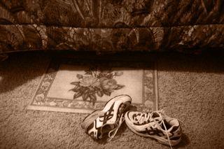 09ShoesRug&bedspreadNormalSepia